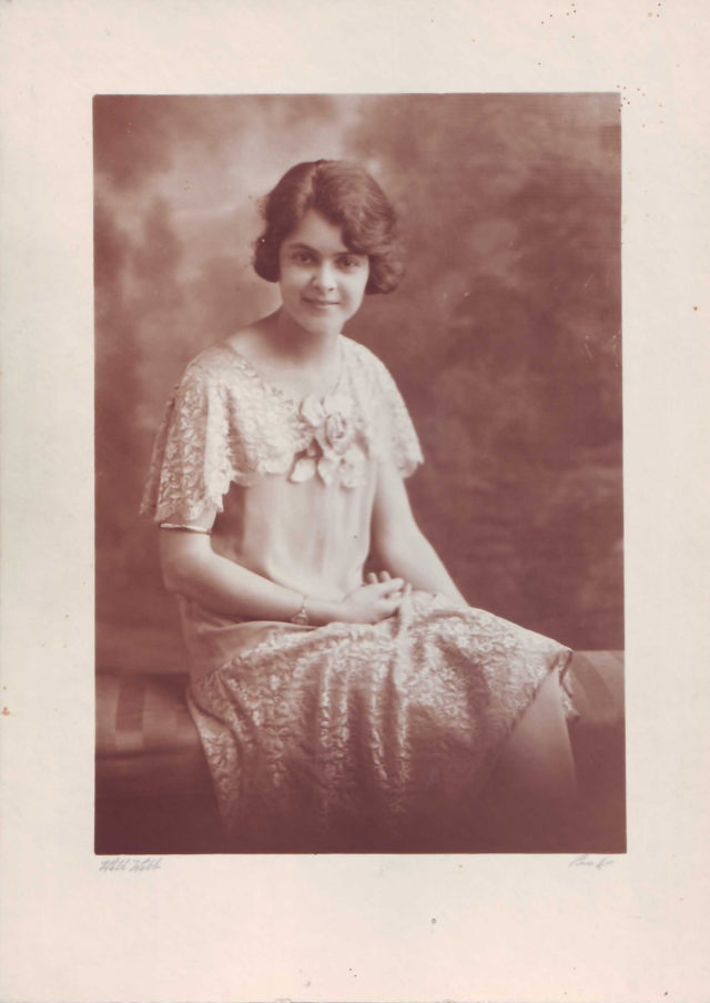 1922-Winifred-Rudeforth-Gamble-dec-c-1925