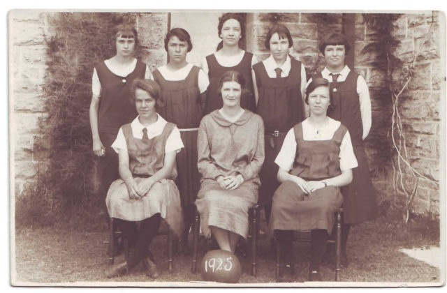 1928-Margaret-Way-nee-Giles-front-left